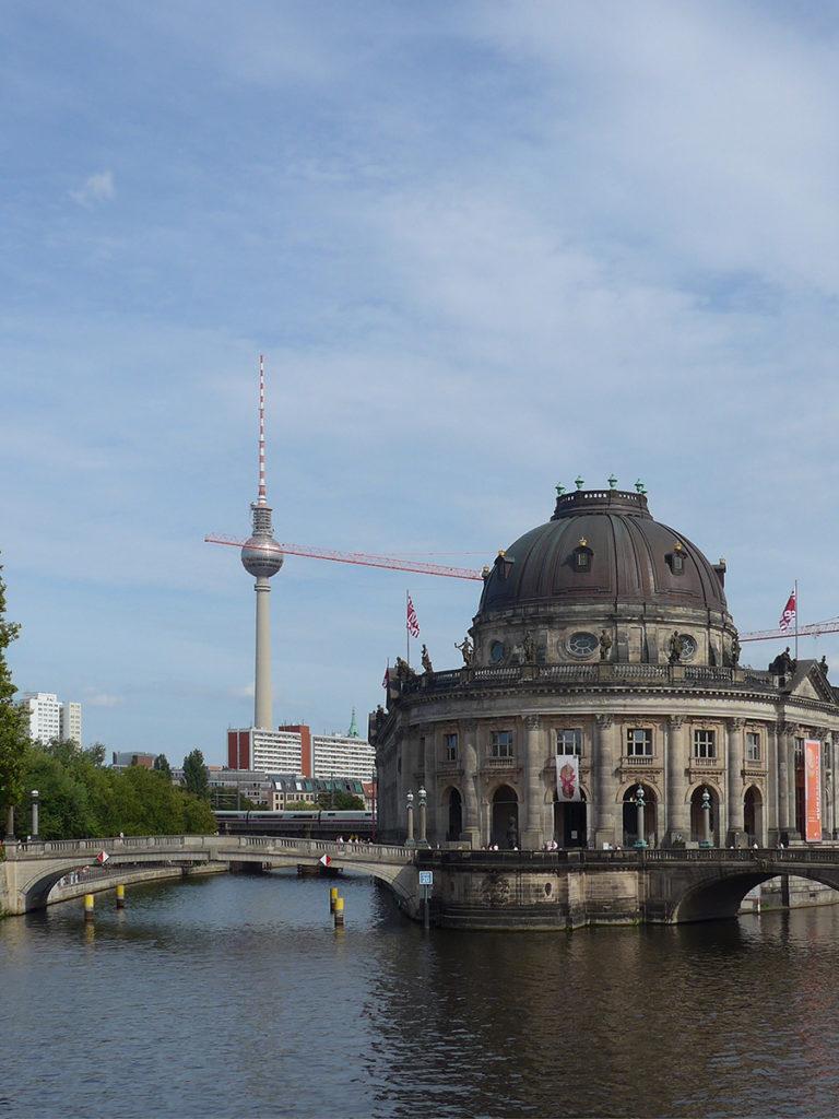 Una, tante Berlino. Dall'atmosfera sospesa della museuminsel alla simbolica Porta di Brandeburgo